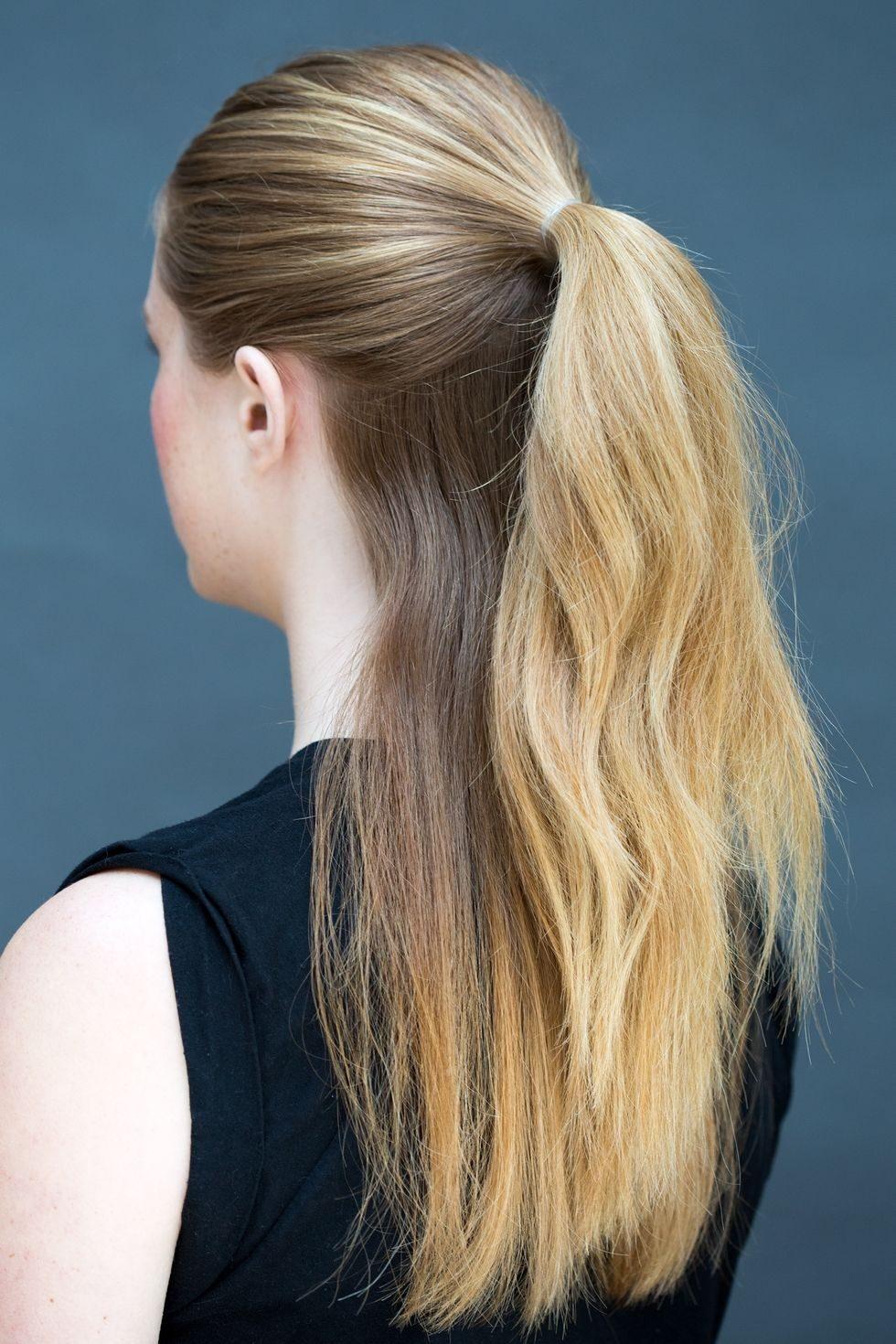 Μπορείτε να το δοκιμάσετε ακόμα και αν έχετε μαλλιά μεσαίου μήκους! Σε αυτή  την περίπτωση απλά e595ce8c3b1