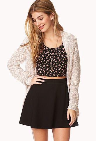 Τον χειμώνα φόρεσε μία μίνι φούστα με καλσόν και το αγαπημένο σου oversized  πουλόβερ. 239680a7fff