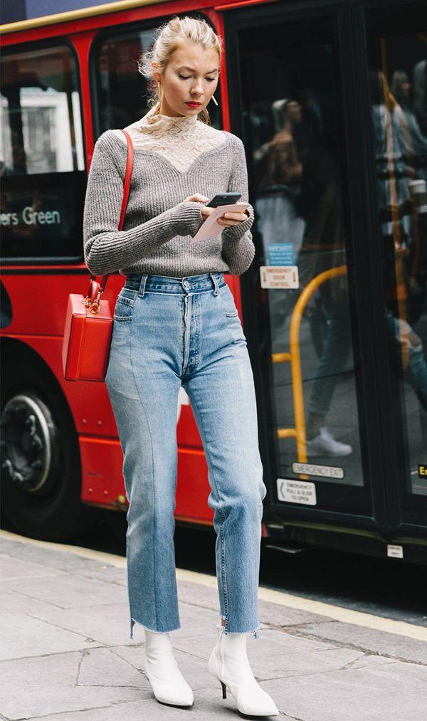 57a238b585c0 Moms Jeans: 8 συνδυασμοί με το ψηλόμεσο τζιν παντελόνι! - Eli.gr