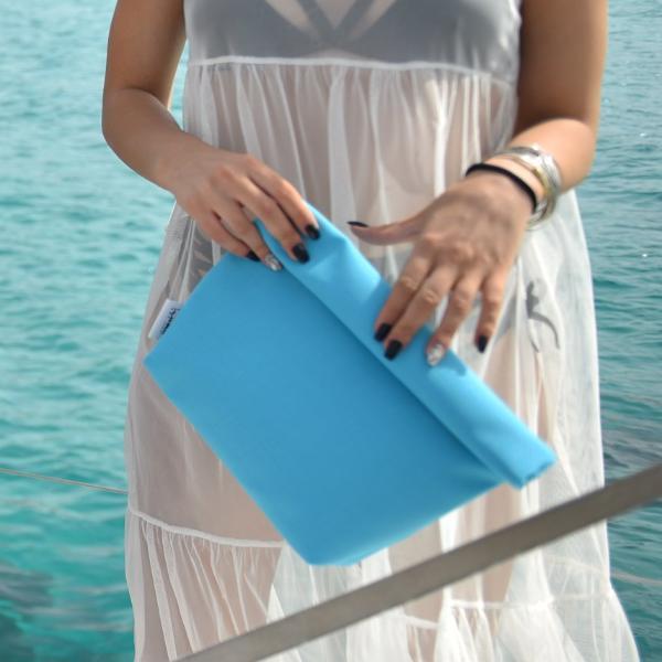 48997963d7 Τι να πάρω μαζί μου στην τσάντα για την παραλία