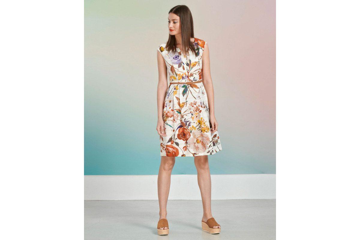 dd244e24ef9b ... για να κάνεις τις πιο κομψές εμφανίσεις. Τα λευκά αέρινα maxi φορέματα  είναι ιδανικά για τις καλοκαιρινές βόλτες, όπως και το πλισέ φόρεμα που  μπορείς ...