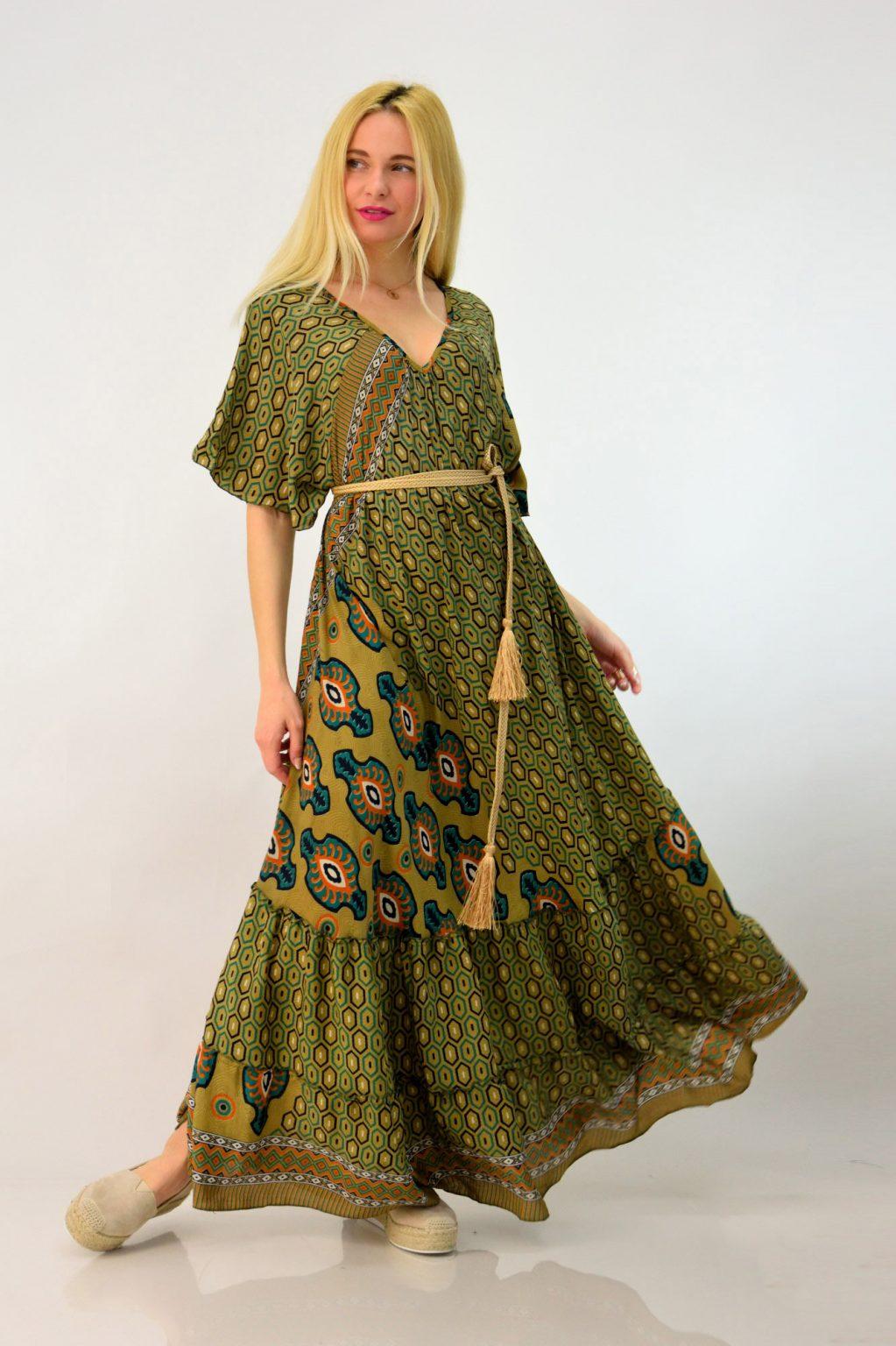 0d53b37fc60 Κάτι άλλο που πρέπει επίσης να έχεις στο μυαλό σου όταν ψάχνεις μακριά  φορέματα, boho ή και πιο επίσημα σε plus size, είναι να επιλέξεις αυτά που  είναι ...