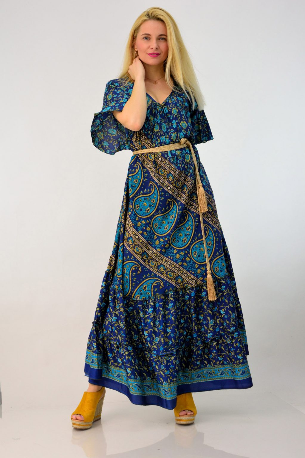 9213512d6df Δες εδώ τα μακριά φορέματα της POTRE και διάλεξε το αγαπημένο σου. Το  καλύτερο είναι ότι τα μεταφορικά είναι δωρεάν στην Ελλάδα για αγορές άνω  των 40 € ...